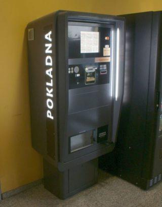 platebni automat